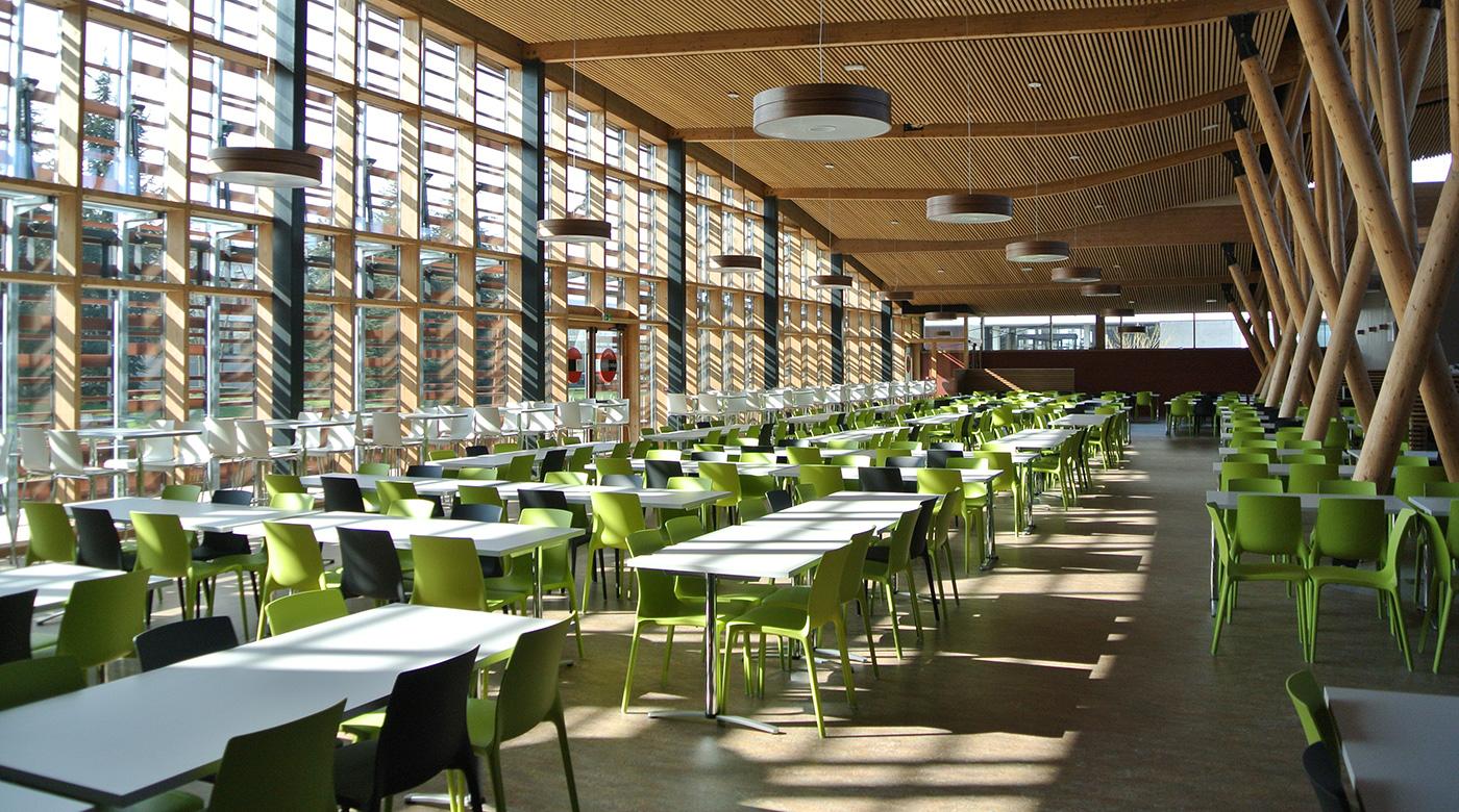 Salle du restaurant universitaire à Metz